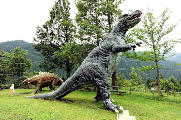 hakusan-dinosaur-2i