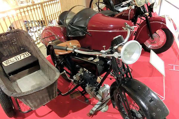 kaga-motorcar-museum-2.j