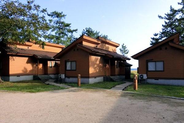 hatigasaki-cabin-1b