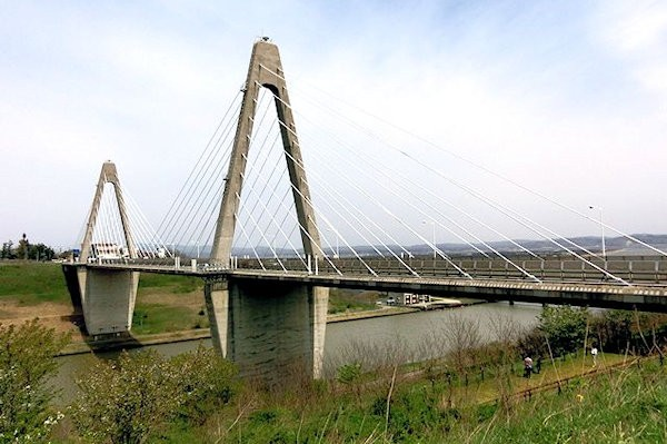 uchinada-sunset-bridge-2a